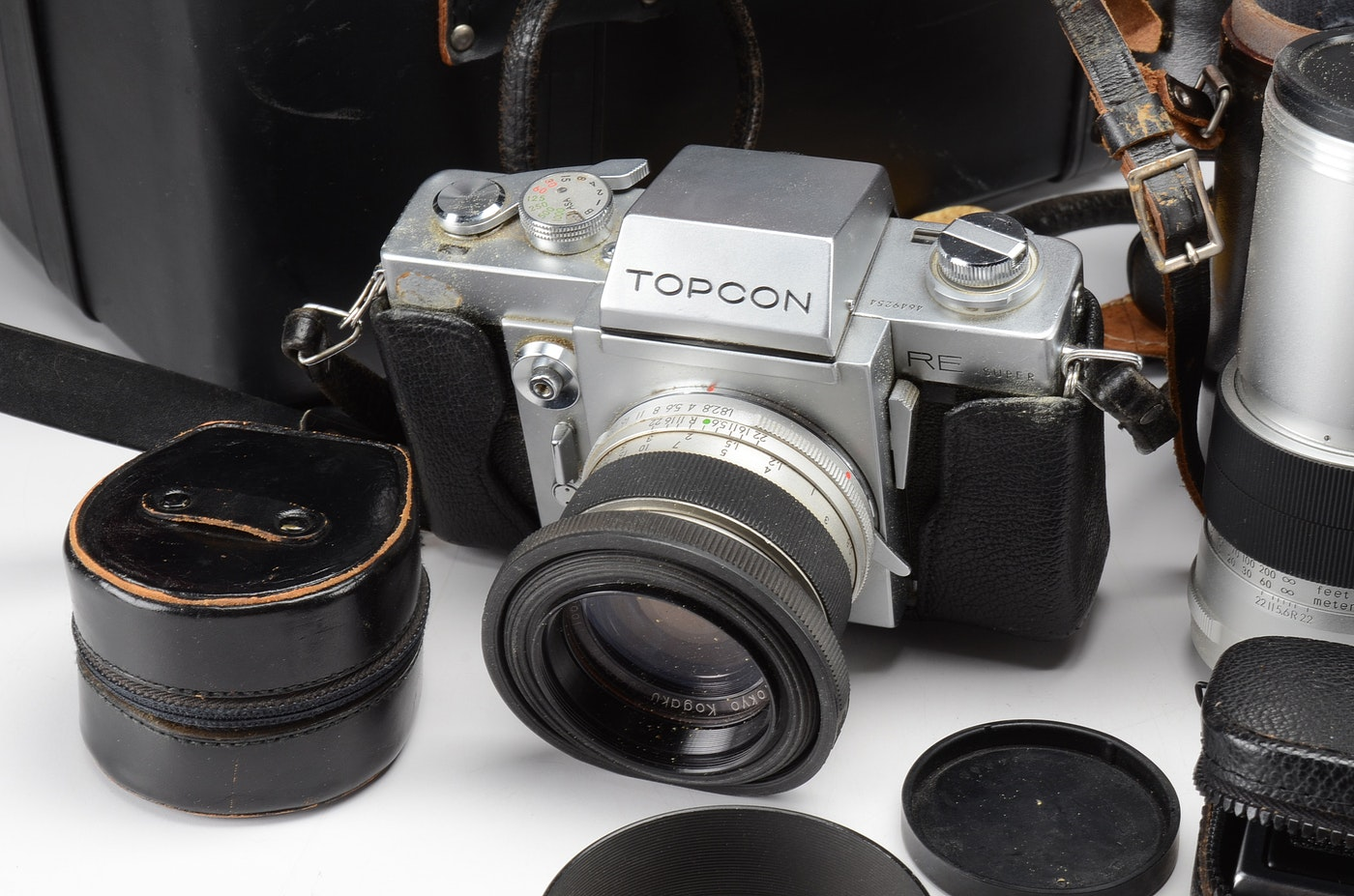 vintage topcon re super camera including accessories ebth. Black Bedroom Furniture Sets. Home Design Ideas