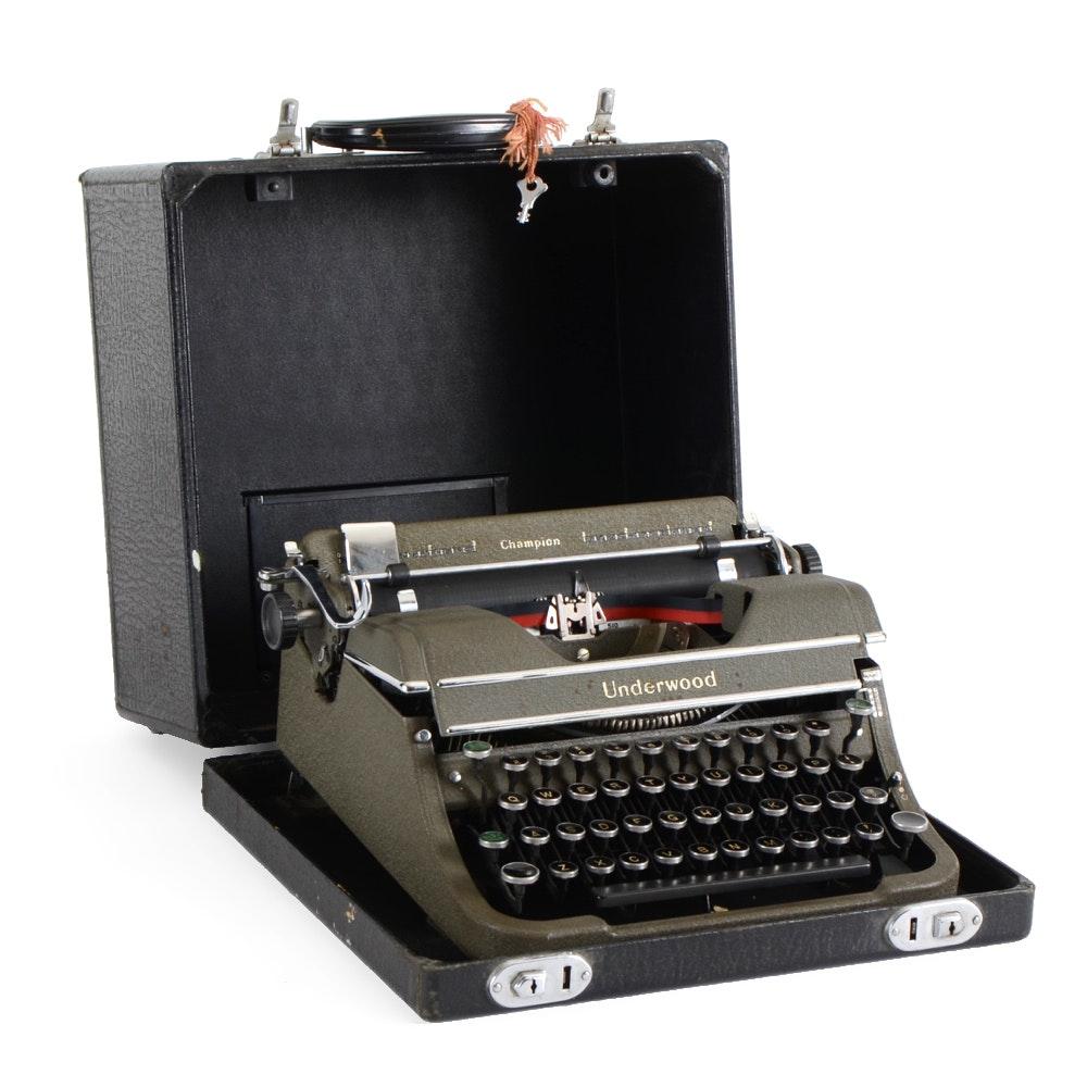 Underwood Champion Typewriter in Case