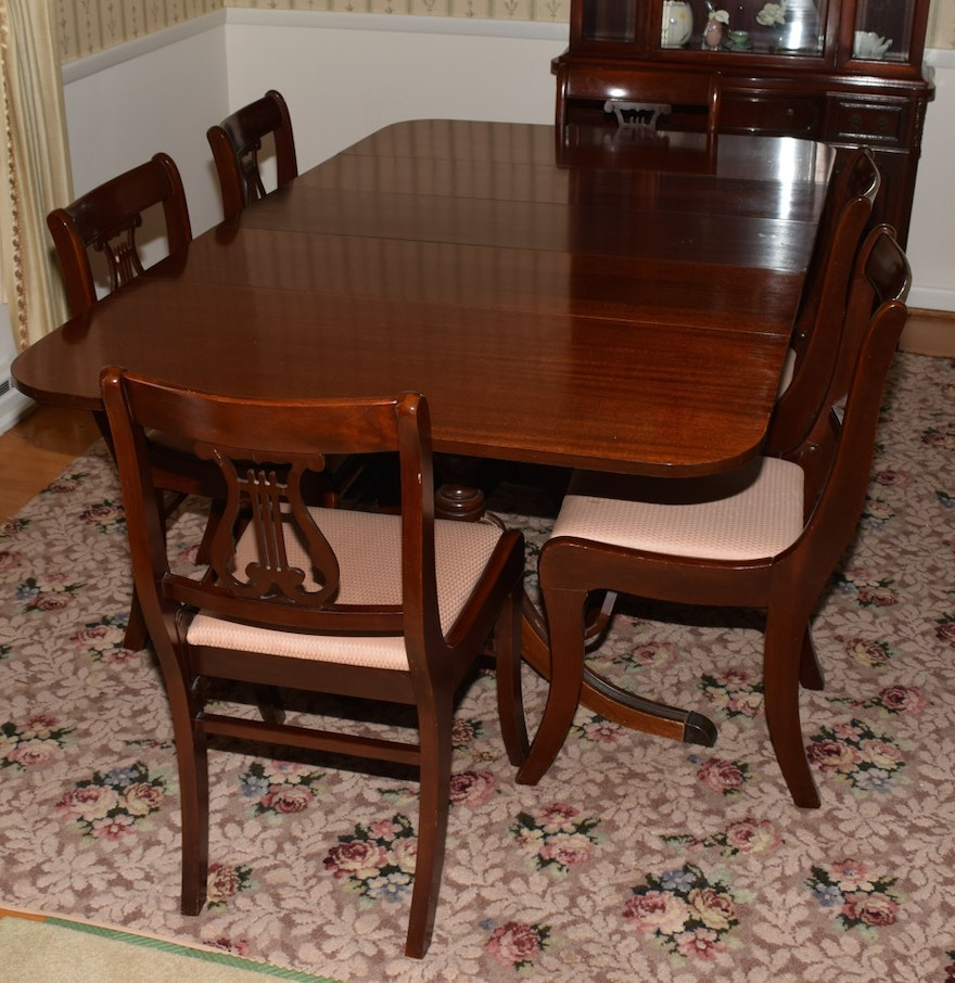 Mahogany duncan phyfe style dining table and chairs ebth for Dining room tables kittles