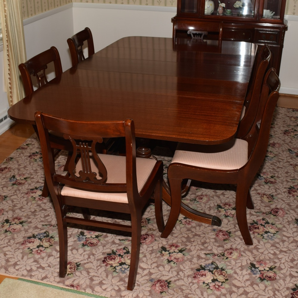 Mahogany Duncan Phyfe Style Dining Table And Chairs ...