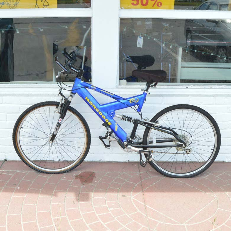 Mongoose D70R Mountain Bicycle
