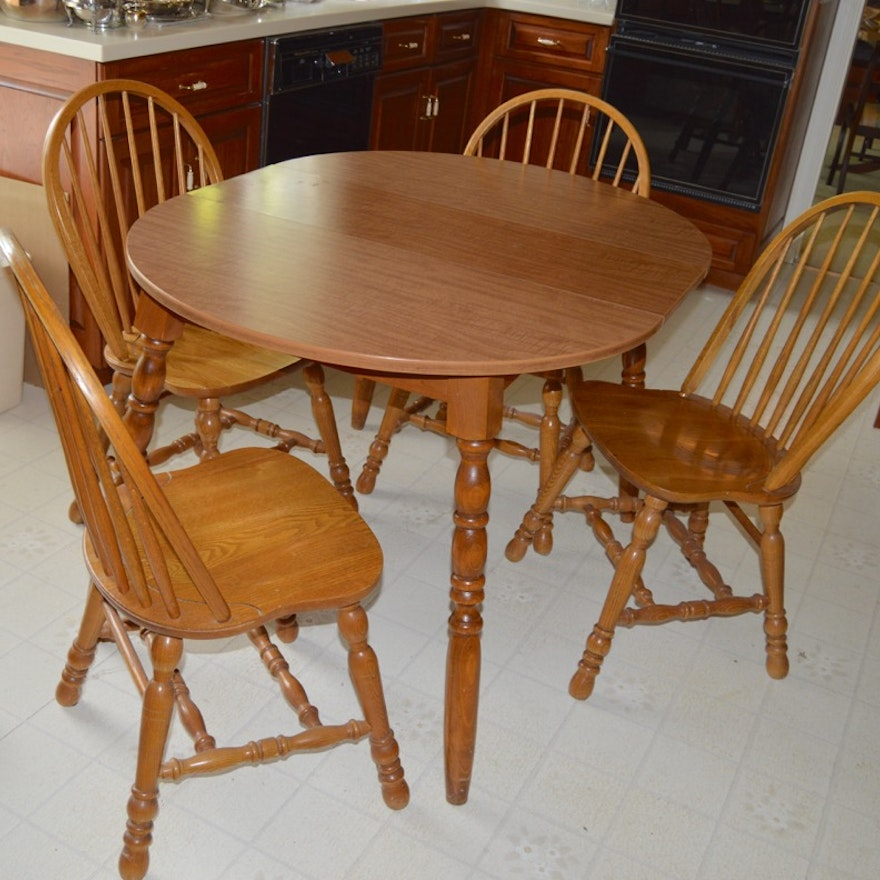 Early American Style Kitchen Table And Chairs