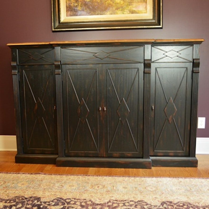 Hooker Furniture Living Room Sanctuary Credenza : EBTH