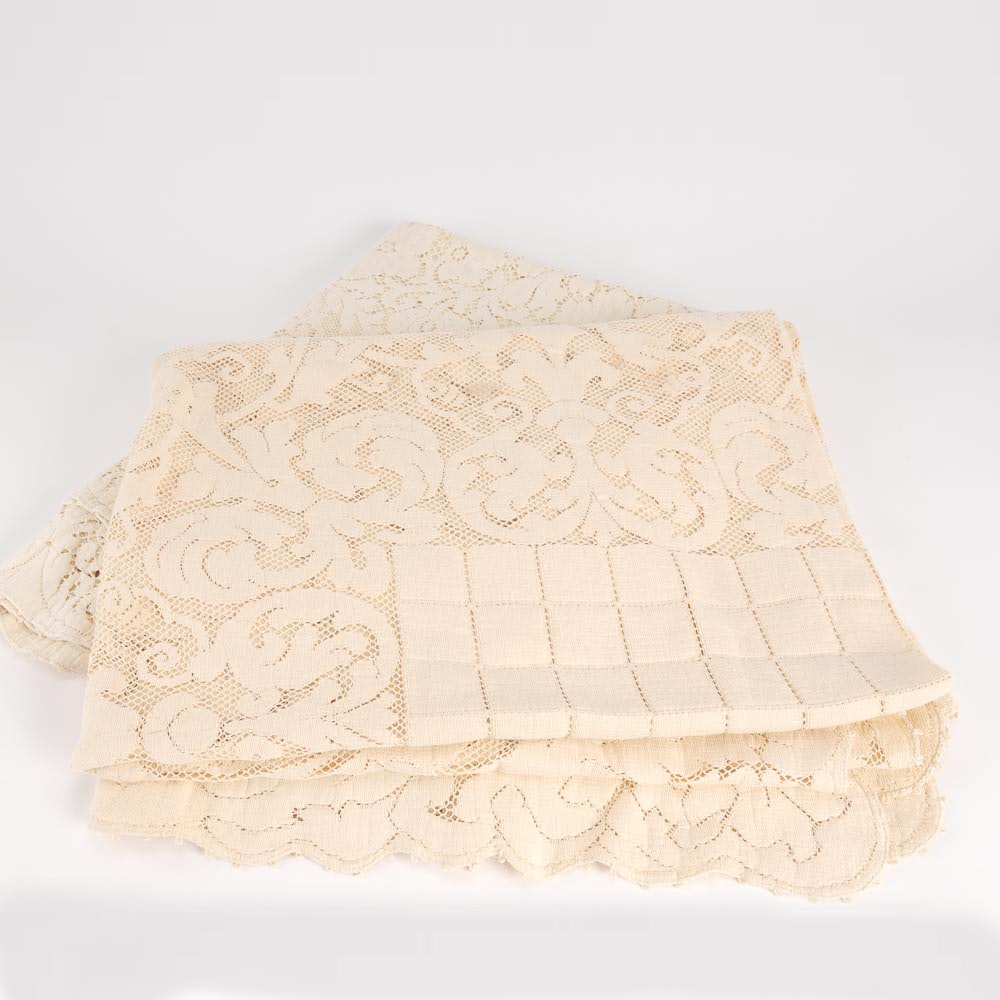 Vintage Lace Tablecloths
