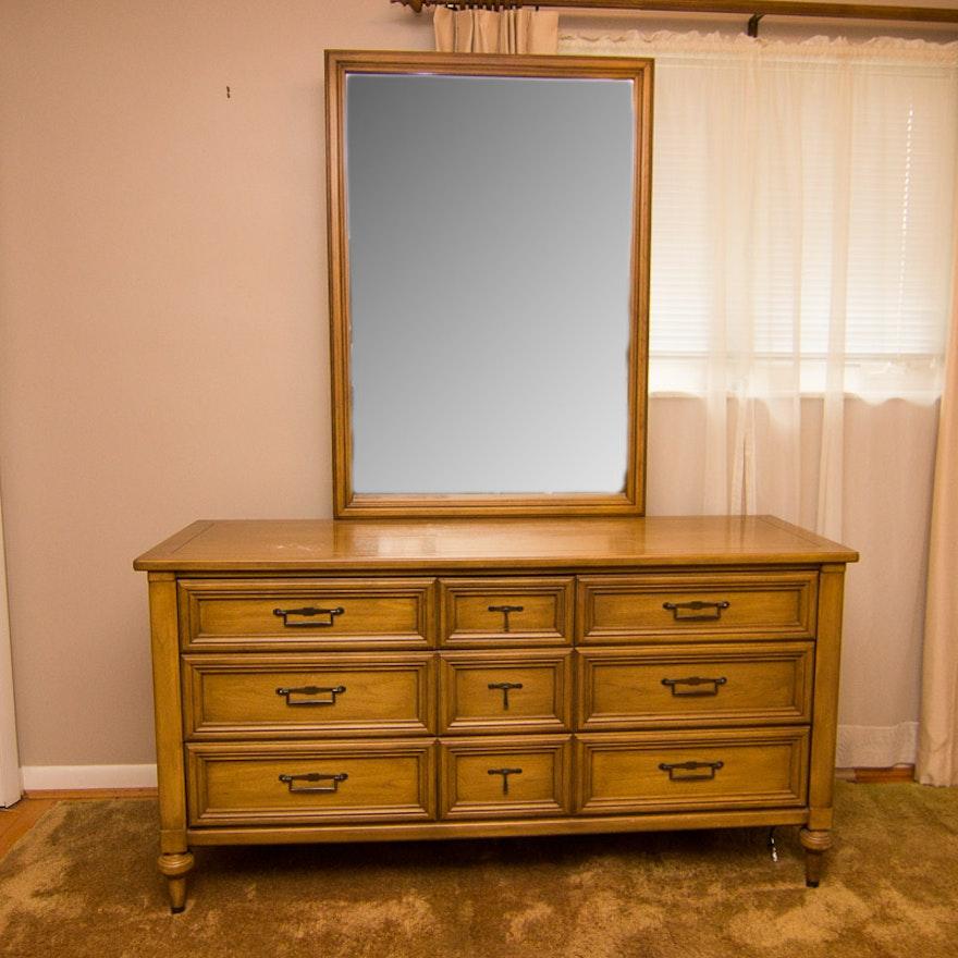 Vintage White Fine Furniture Dresser With Mirror