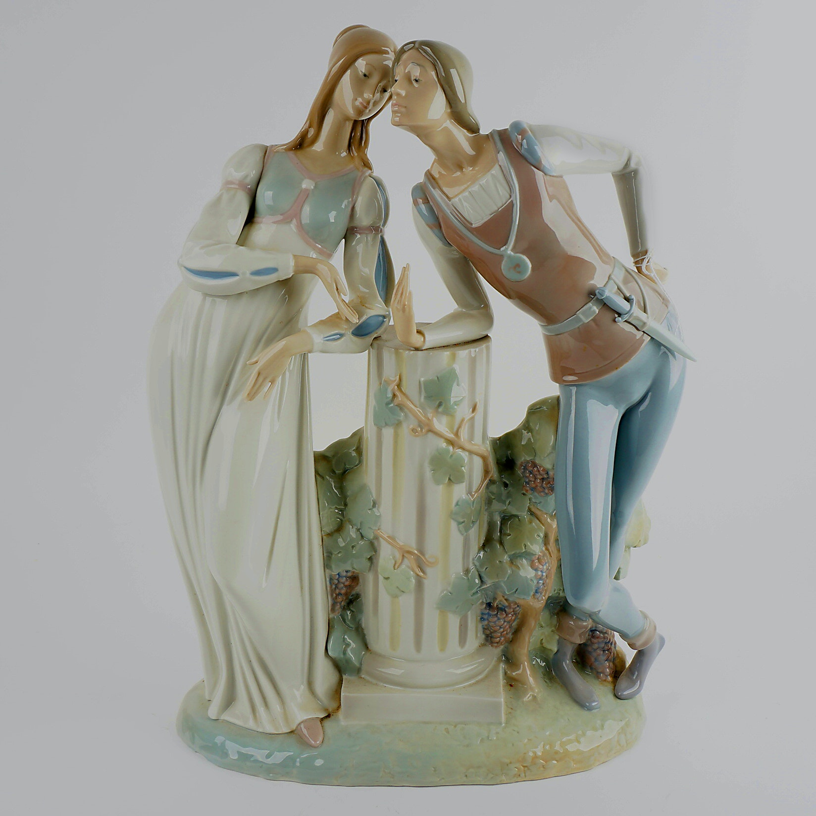 Retired Lladro Romeo and Juliet Figurine