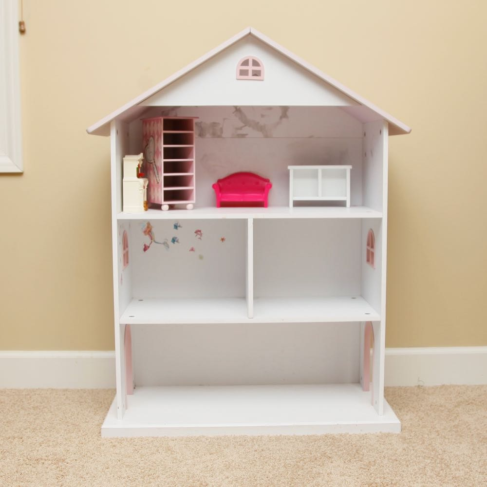 White and Pink Girl's Dollhouse