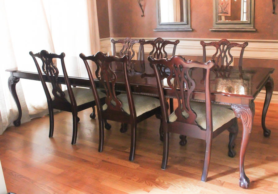 Mahogany Thomasville Dining Table and Chairs