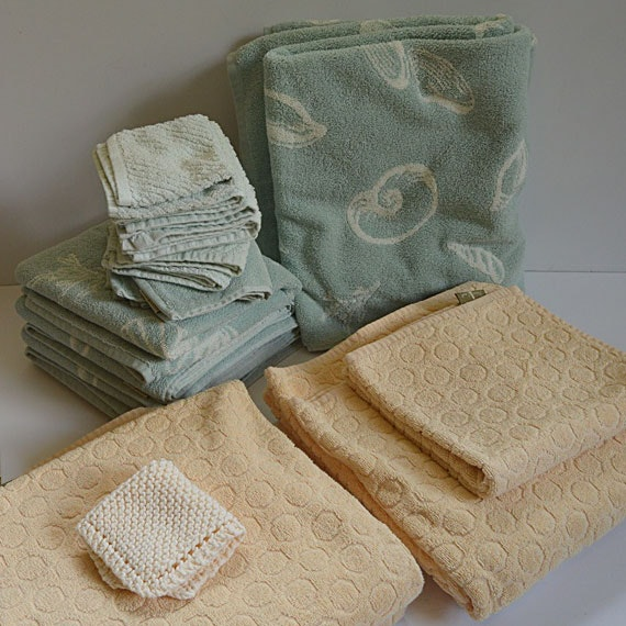 Towel Collection in Camel and Green