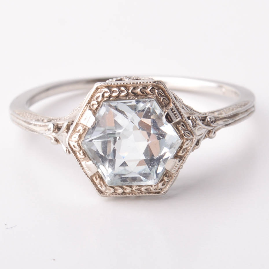 Vintage Art Deco 18K White Gold and Aquamarine Ring
