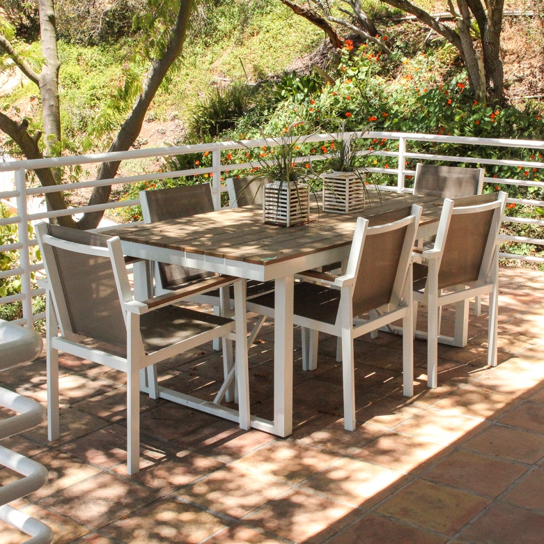 Outdoor Table & 6 Chairs