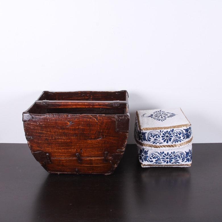 Set of Decorative Items