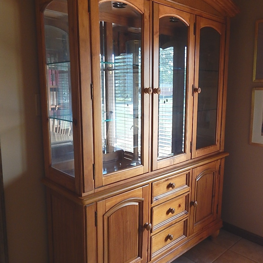 Broyhill French Country China Cabinet