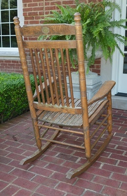 Pair of Cracker Barrel Rocking Chairs : EBTH