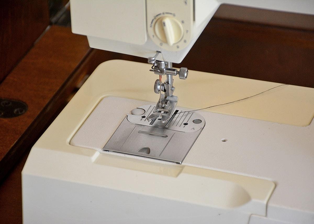 singer sewing machine chair