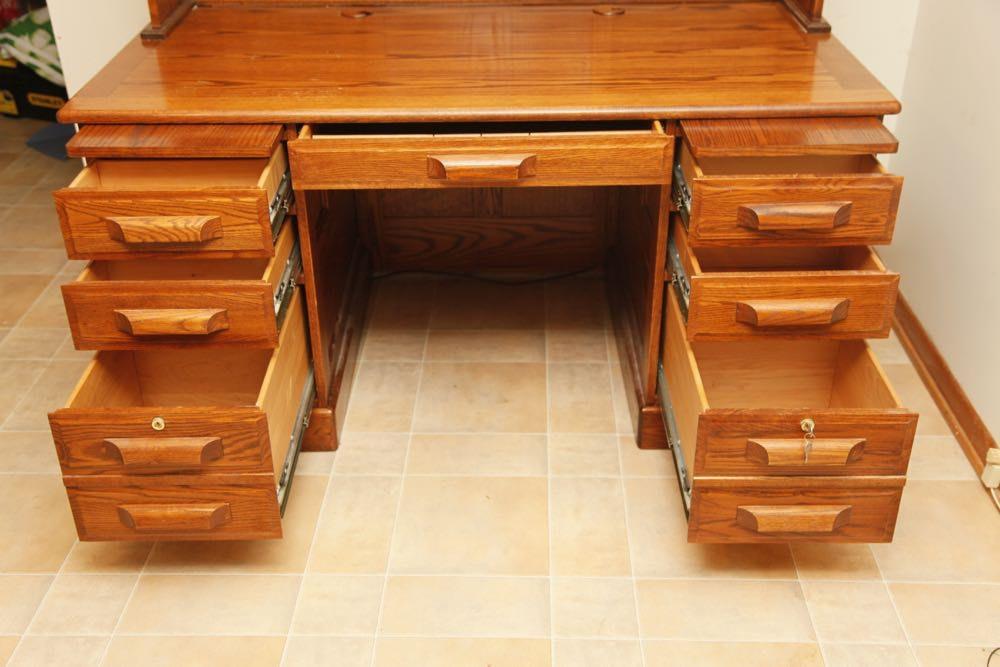 Winners Only Oak Desk With Hutch Ebth