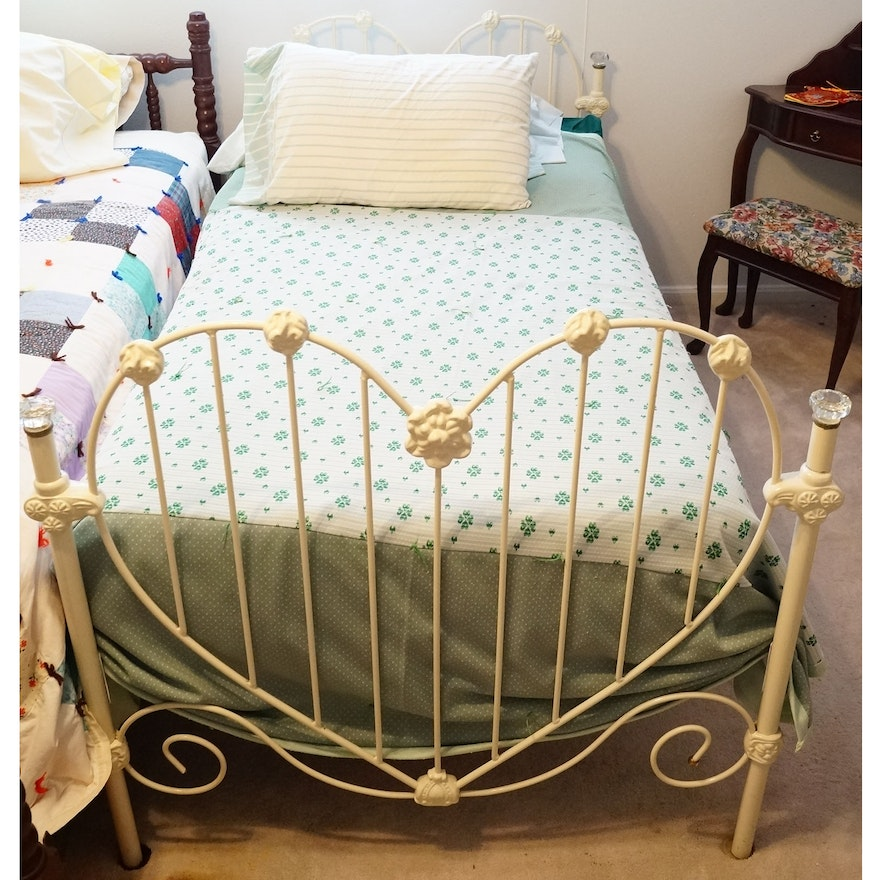 White Iron Heart Shaped Twin Bed Frame : EBTH