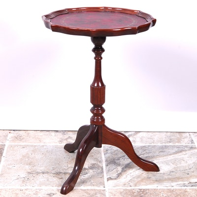 Vintage Tables Antique Tables And Retro Tables Auction In Art Traditional Furnishings D Cor