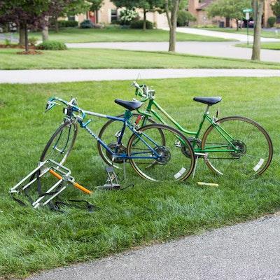 8a7d55f5939 Vintage Schwinn Collegiate Sport 10 and Varsity Bikes with Pump