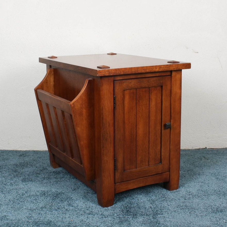 Mission Style Oak End Table With Magazine Rack