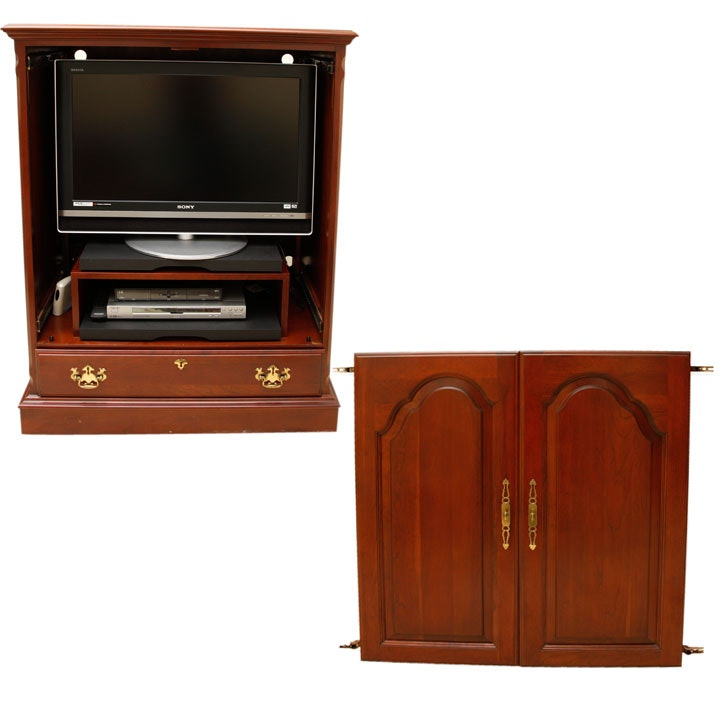 Pennsylvania House Television Cabinet