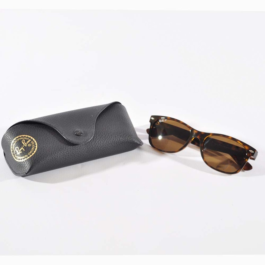 f1f8e6af0a Ray-Ban New Wayfarer Style Sunglasses with Case   EBTH