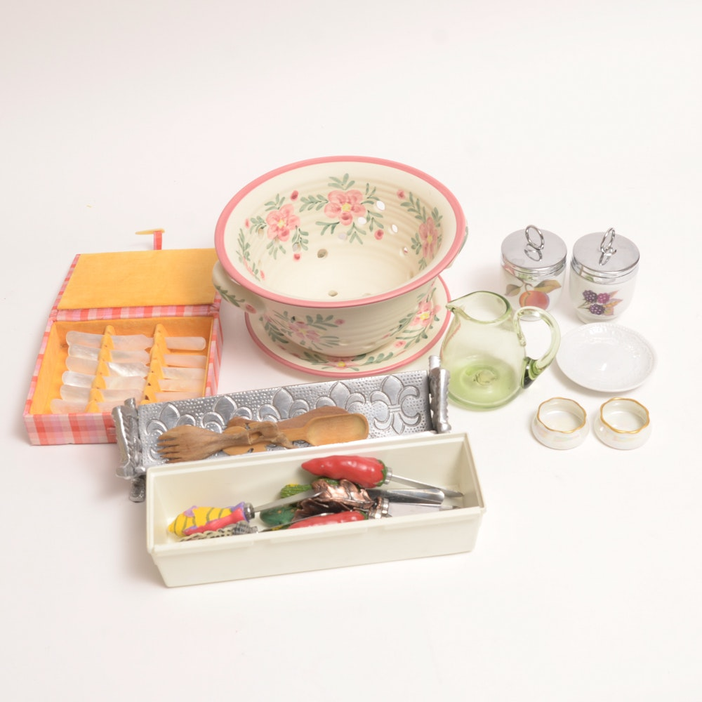 Collection Of Small Kitchen Items Ebth