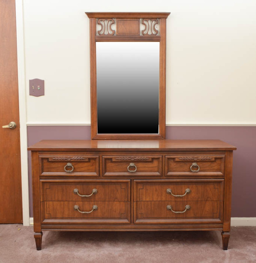 Dixie Furniture Company Dresser With Mirror Ebth