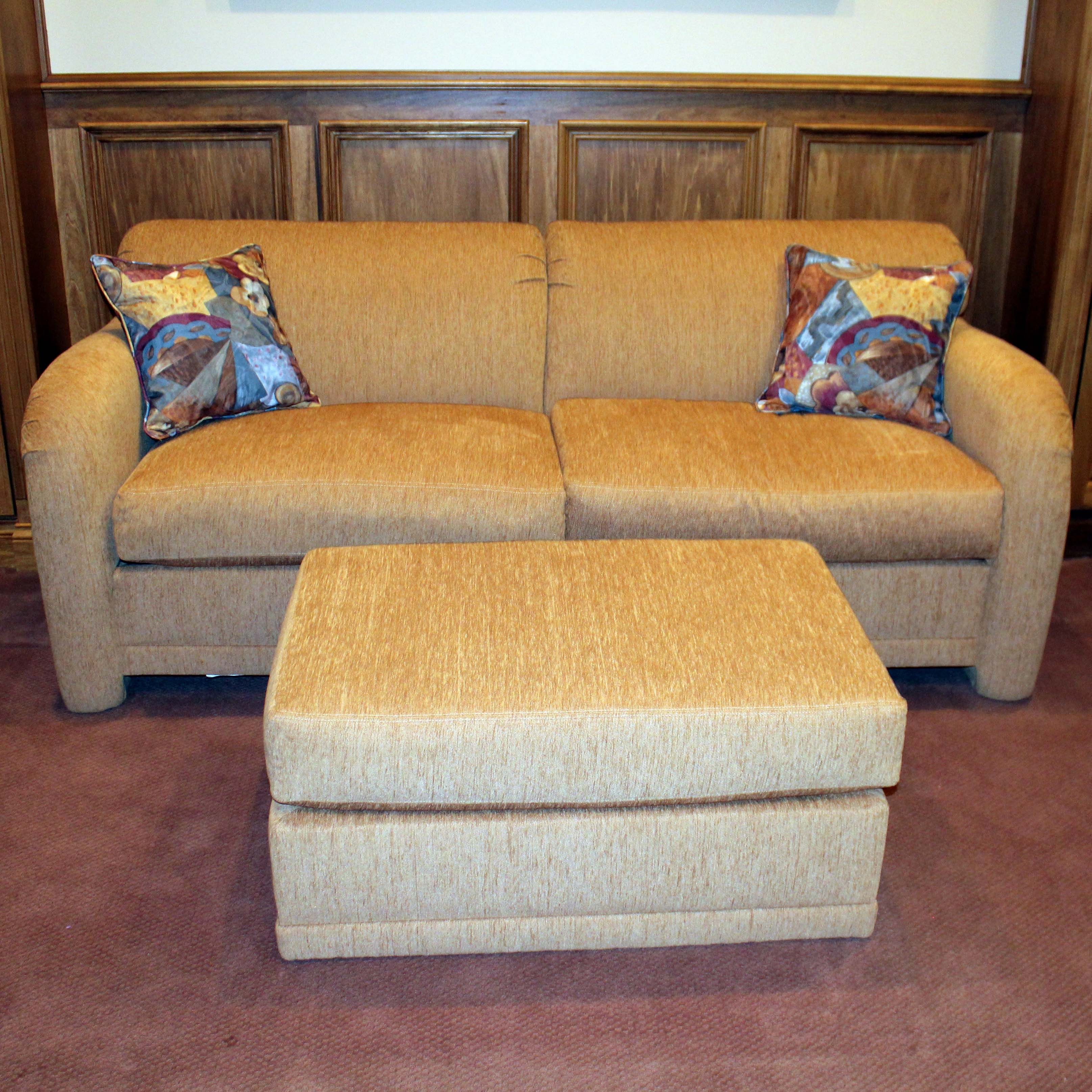 Broyhill Ivory Sofa with Accent Pillows EBTH