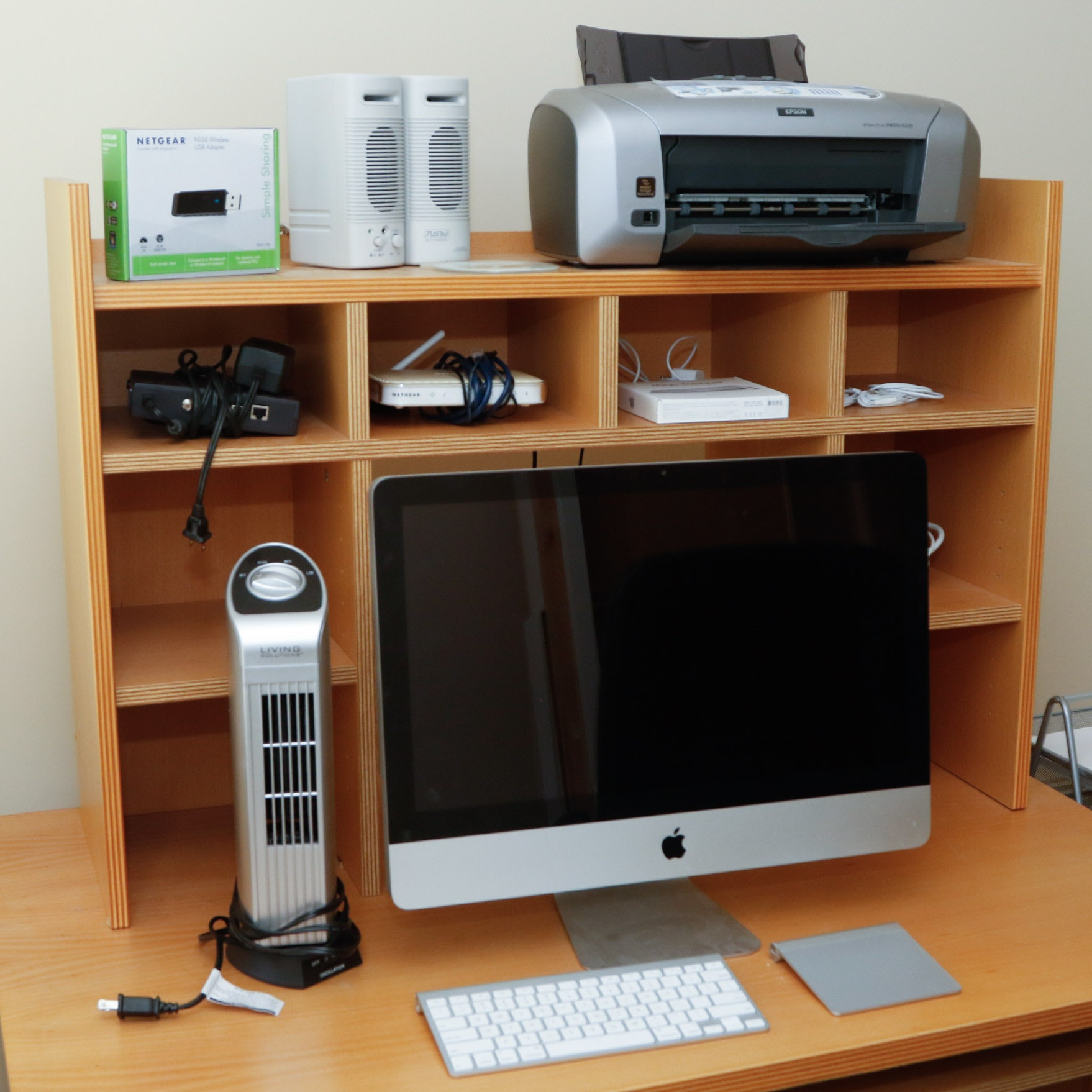 Apple IMac Computer With Accessories And Home Office Supplies ...