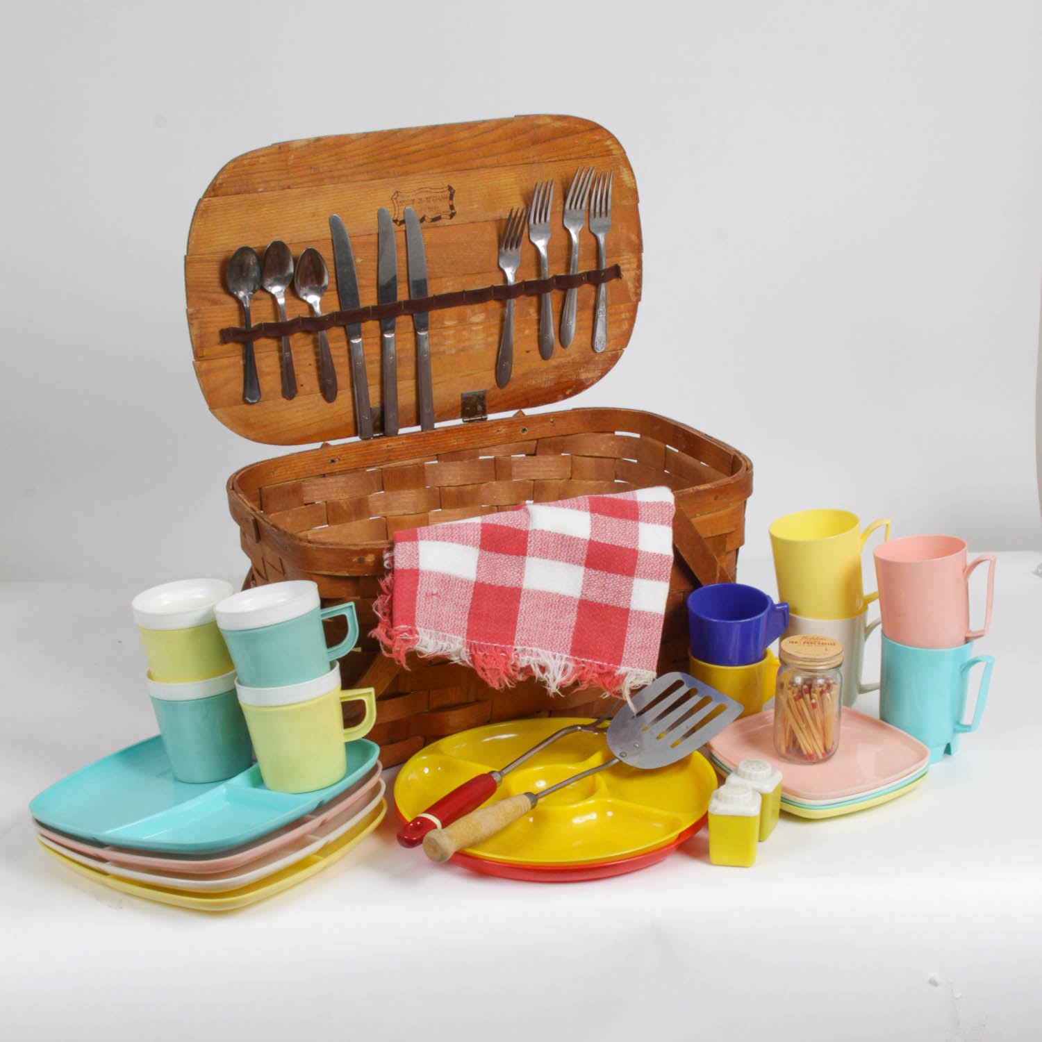 Picnic Basket with Supplies