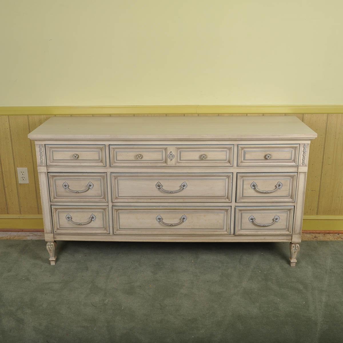 Delightful Vintage Dixie Furniture Dresser ...