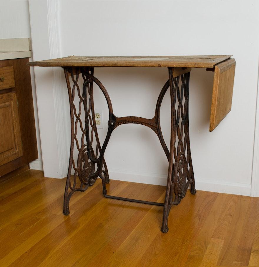 antique singer sewing machine base ebth. Black Bedroom Furniture Sets. Home Design Ideas