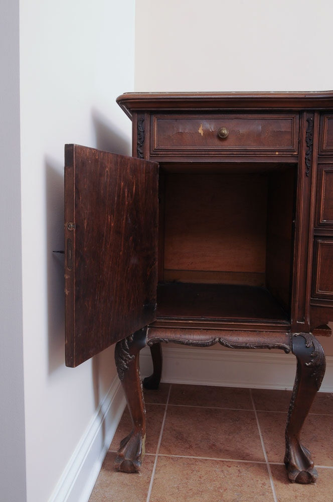 vintage chippendale style walnut sideboard ebth. Black Bedroom Furniture Sets. Home Design Ideas