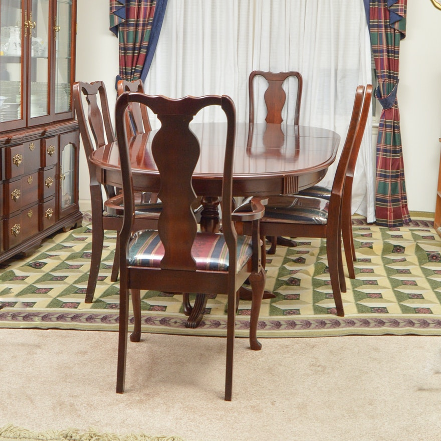 Singer Furniture Dining Table and Chairs