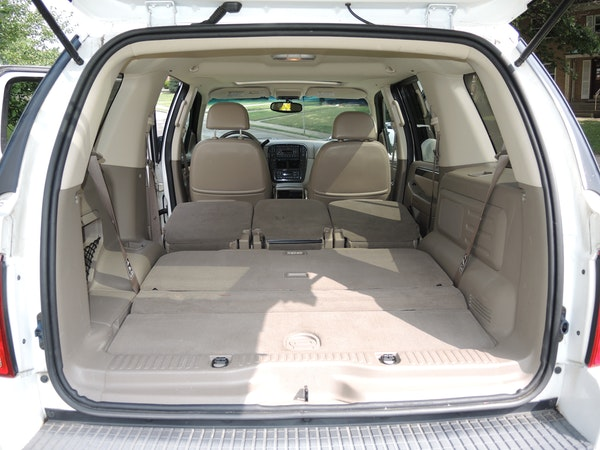 2002 4wd ford explorer limited with 3rd row seating and v 8 engine ebth. Black Bedroom Furniture Sets. Home Design Ideas