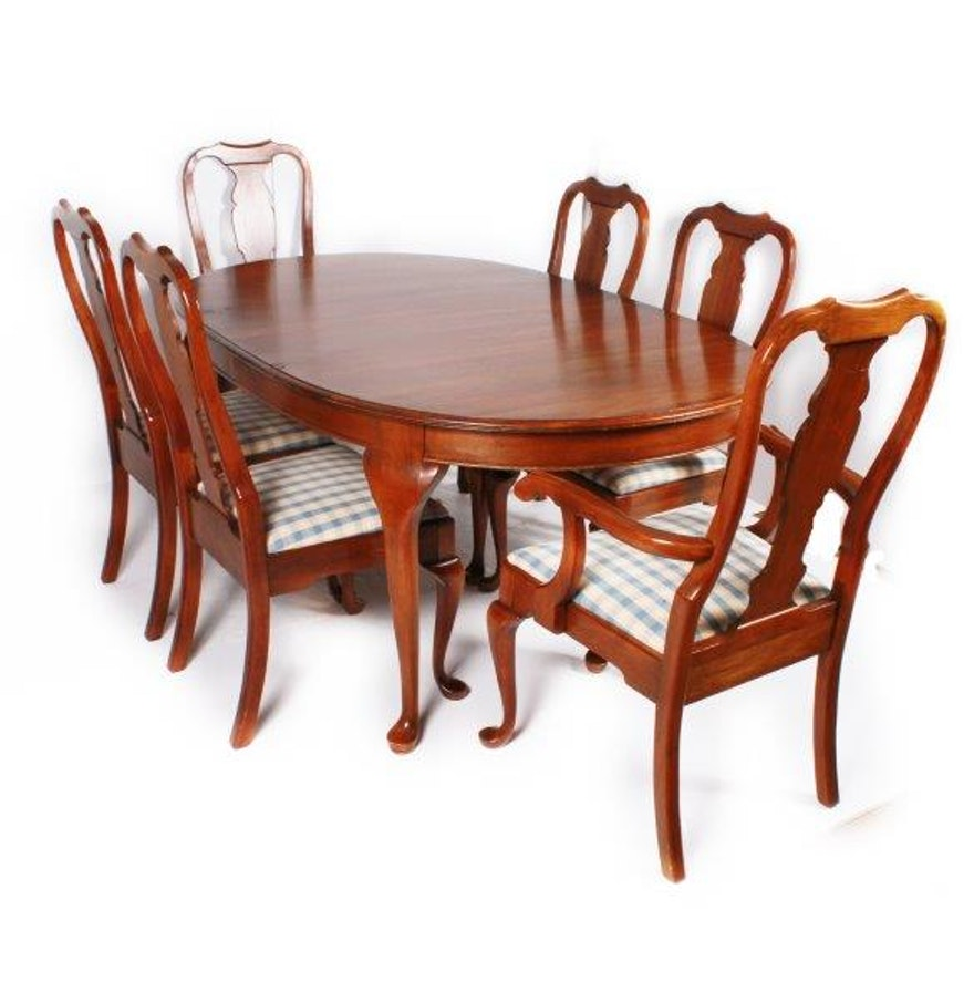 Pennsylvania House Furniture Dining Table with Six Chairs : EBTH