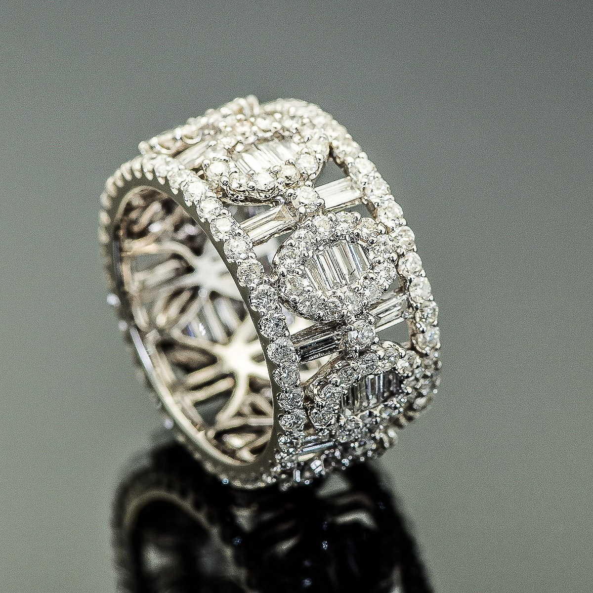 18K White Gold and 3.52 CTW Diamond Barrel Ring