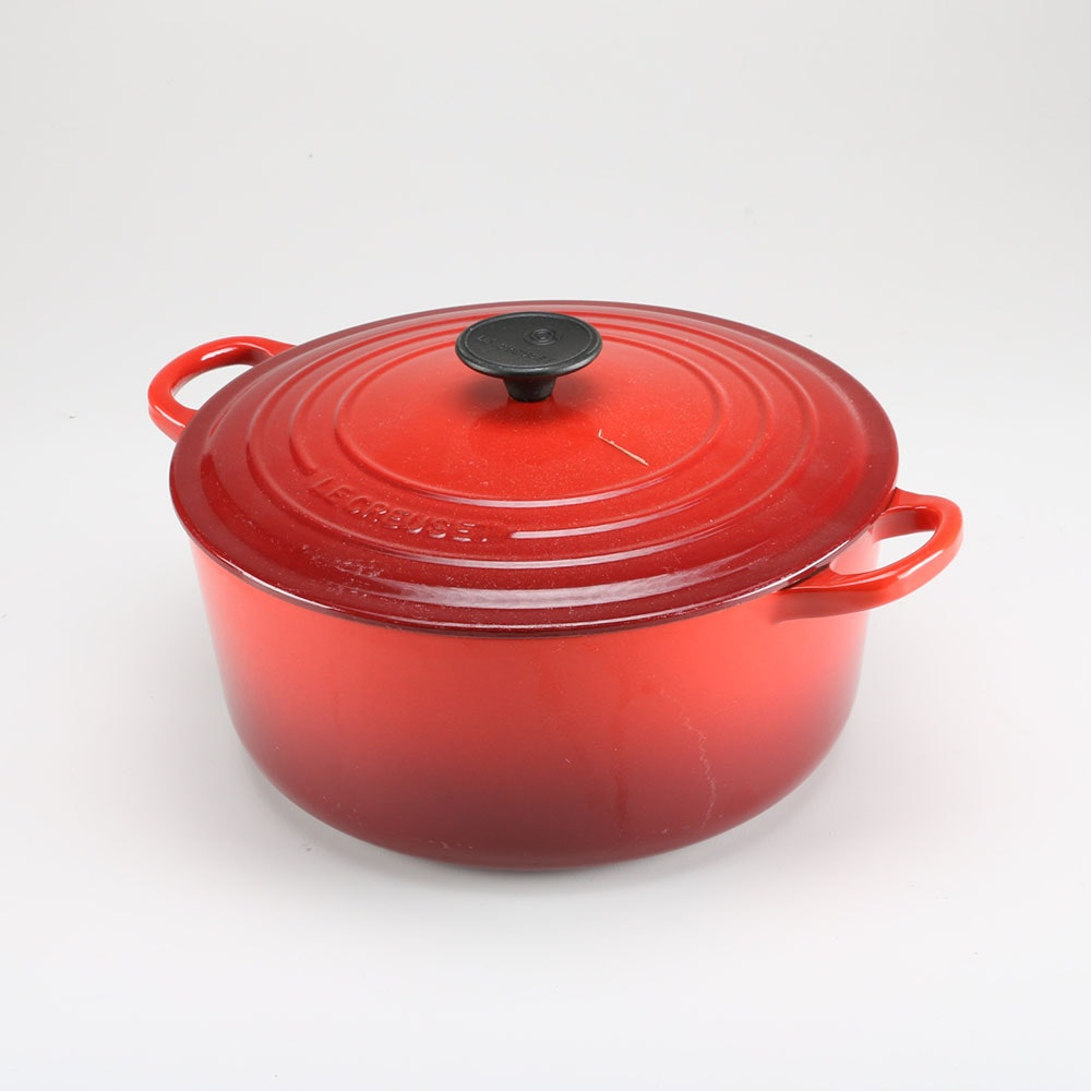 le creuset signature enameled cast iron round dutch oven ebth