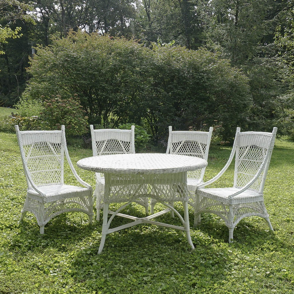 Vintage Victorian Style White Wicker Dining Table And Four Chairs ...