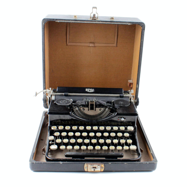 Vintage Royal Portable Typewriter Part - 40: Vintage Royal Portable Typewriter Circa 1930u0027s ...