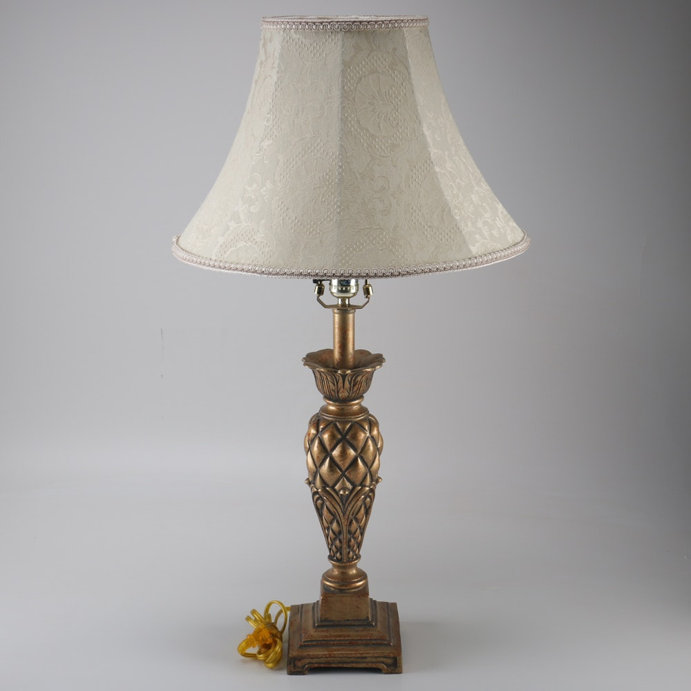 Decorative Table Lamp With Pineapple Body