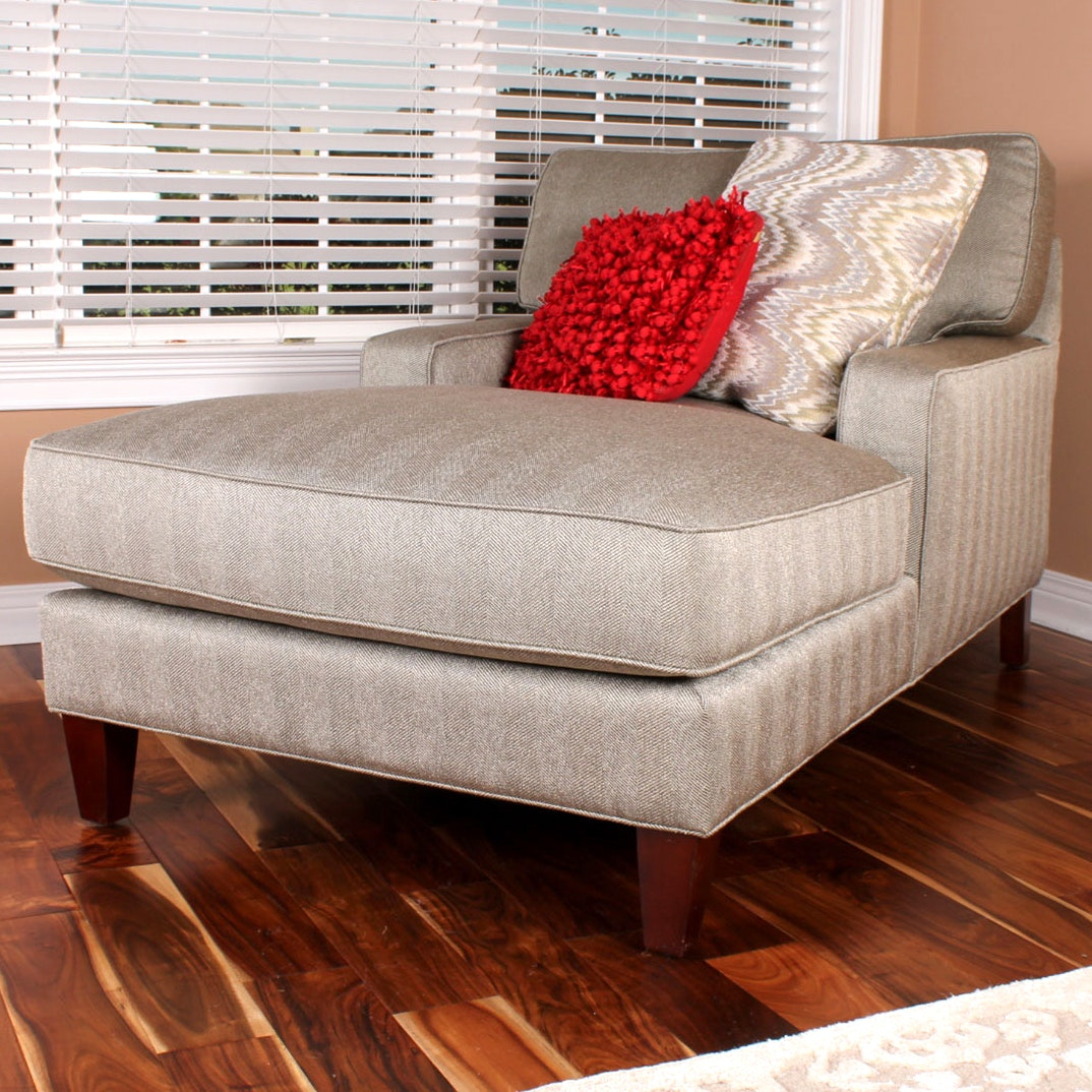 """Havertys """"Erin"""" Chaise Arm Chair"""