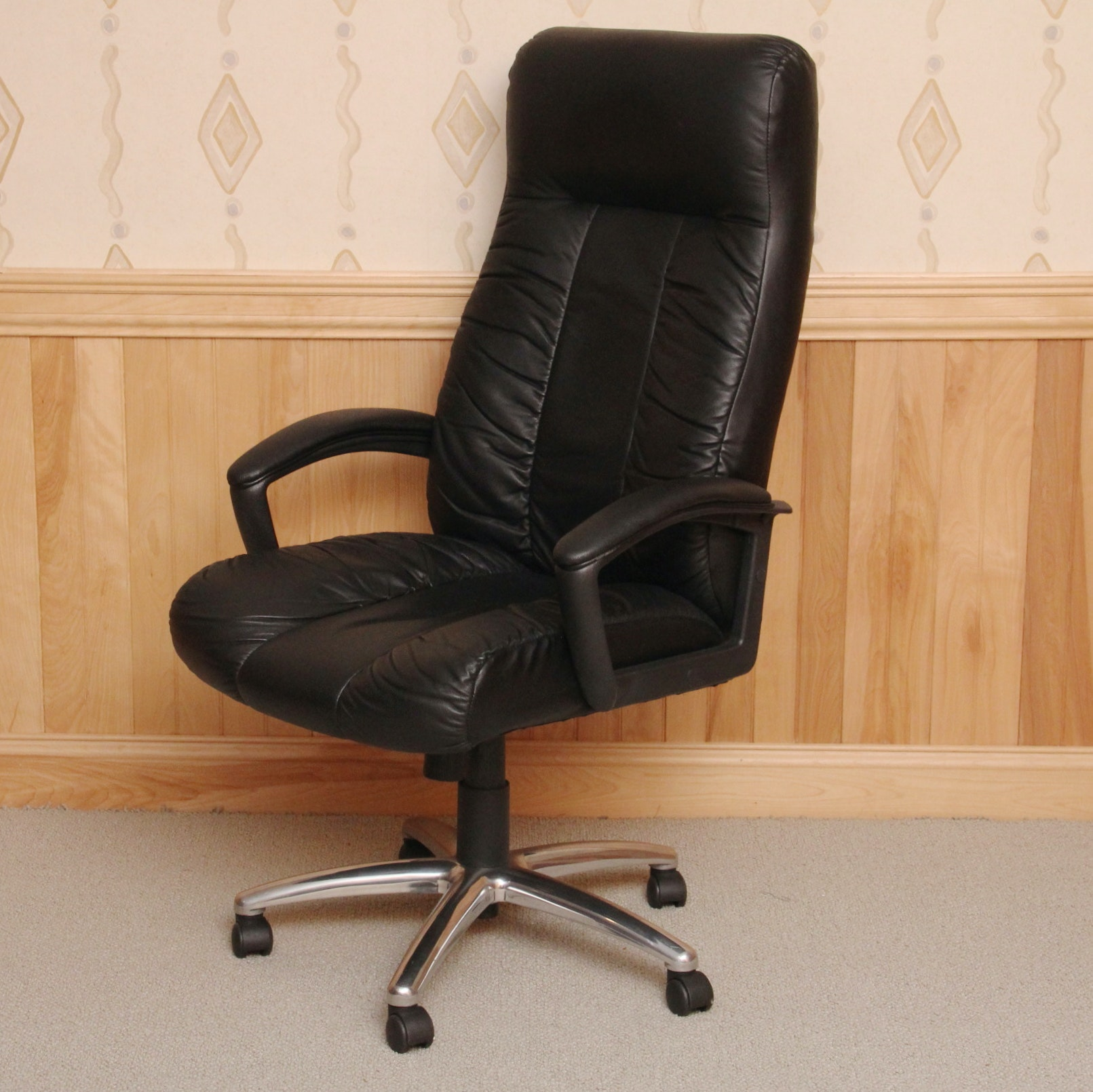 High Back Black Leather Office Chair : EBTH Black Office Chair Back View