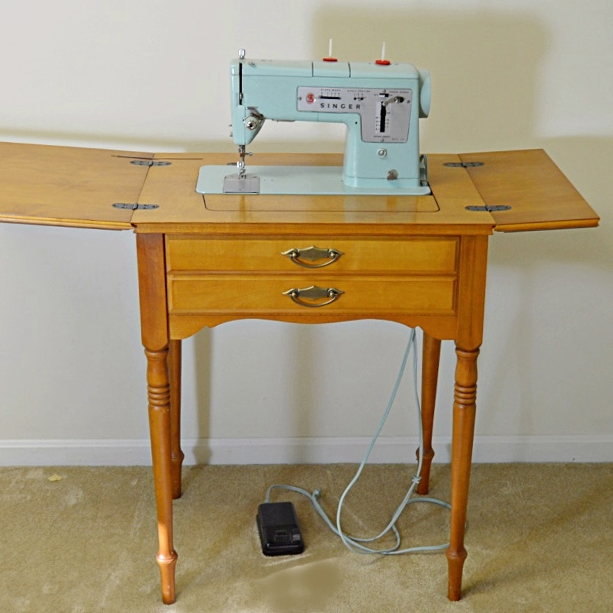40s Singer 40 Sewing Machine With Table EBTH Magnificent Singer Sewing Machine Cabinet 1960