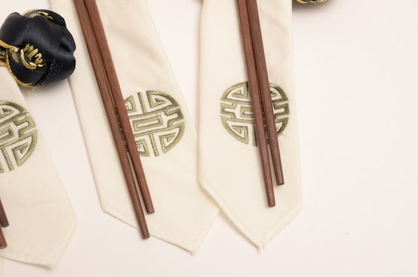 Napkin Menu Rings With Chop Sticks