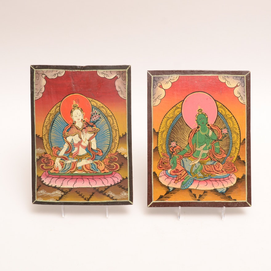 Pair Of Hand Painted Wooden Plaques Of White And Green Tara Ebth