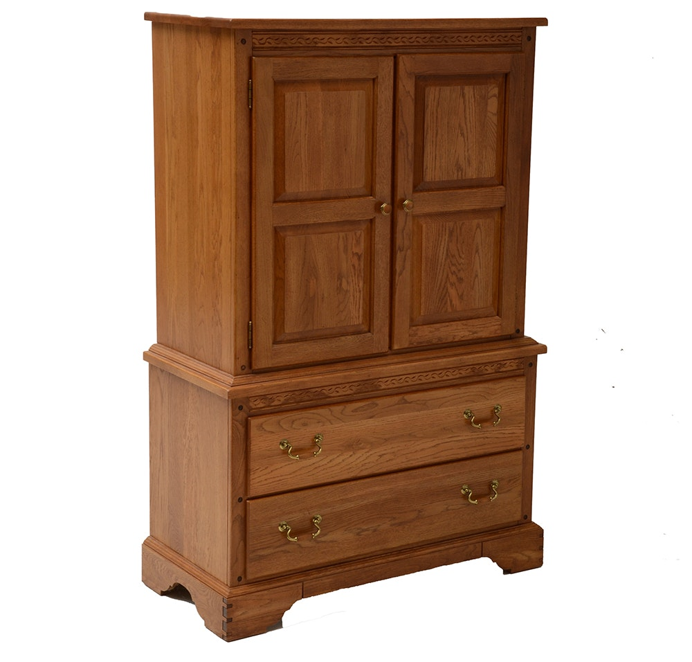 Oak Kincaid Armoire : EBTH