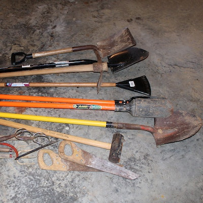 Outdoor furniture outdoor decor and garden tools auction for Garden tools equipment sales