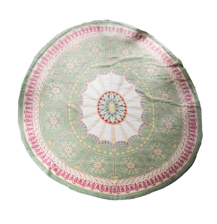 Large Neoclassical Oval Hooked Rug : EBTH